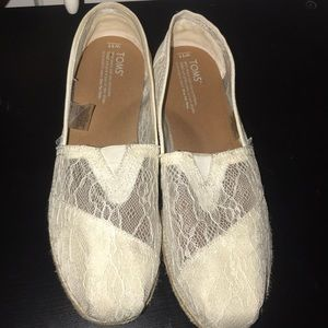 Lace TOMS. Worn 1 time.